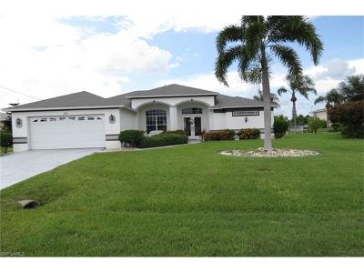 Cape Coral Single Family Home For Sale: 3816 SE 16th Pl
