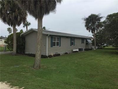 Moore Haven Mobile/Manufactured For Sale: 1016 Glover Ln
