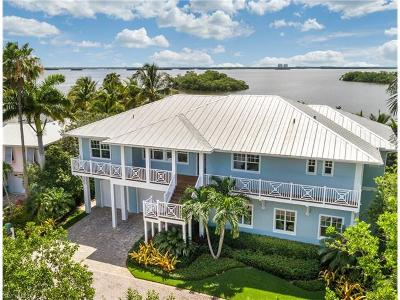 Fort Myers Beach Single Family Home For Sale: 21471 Widgeon Ter