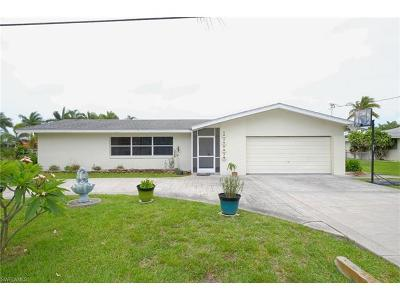 Cape Coral Single Family Home For Sale: 5232 Seminole Ct