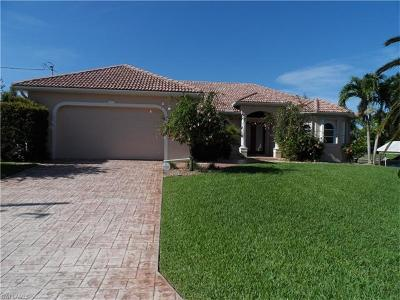 Cape Coral Single Family Home For Sale: 148 SW 38th Ter
