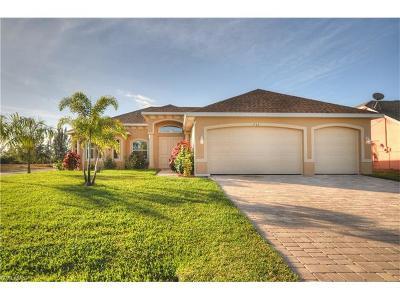 Cape Coral, Matlacha Single Family Home For Sale: 3905 Agualinda Blvd
