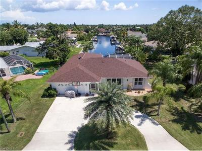 Cape Coral Single Family Home For Sale: 2008 SE 26th Ter