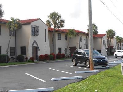 Cape Coral Condo/Townhouse For Sale: 4711 Santa Barbara Blvd #2