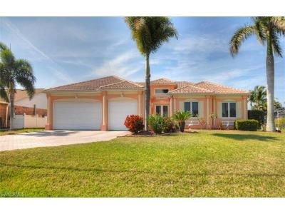 Cape Coral Single Family Home For Sale: 2931 Surfside Blvd
