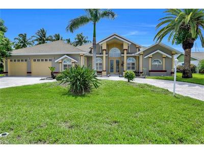 Cape Coral Single Family Home For Sale: 3405 SE 18th Pl