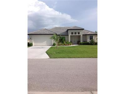Cape Coral Single Family Home For Sale: 1728 SW 44th Ter