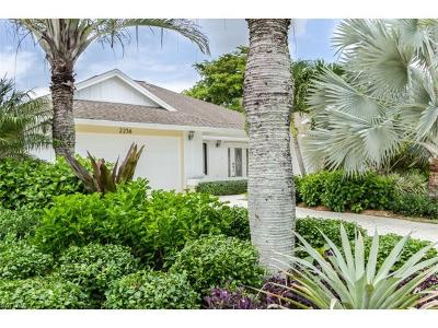 Naples Single Family Home For Sale: 2256 Royal Ln