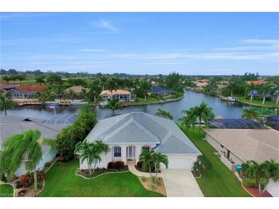 Cape Coral Single Family Home For Sale: 2124 SW 40th Ter