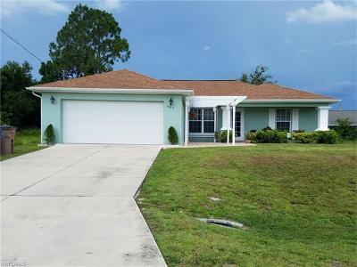 Lehigh Acres Single Family Home For Sale: 803 Bruce Ave N