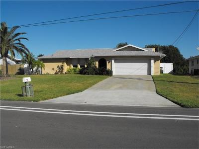 Cape Coral, Matlacha, North Fort Myers Single Family Home For Sale: 1223 Everest Pky