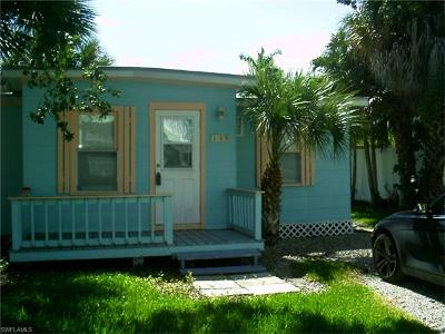 Fort Myers Beach Single Family Home For Sale: 137 Pearl St