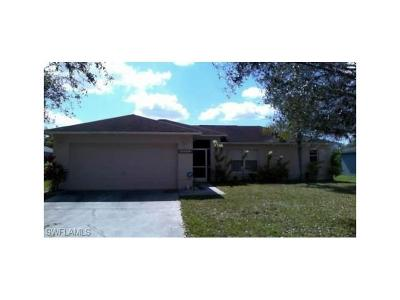 Fort Myers Single Family Home For Sale: 15552 Horseshoe Ln