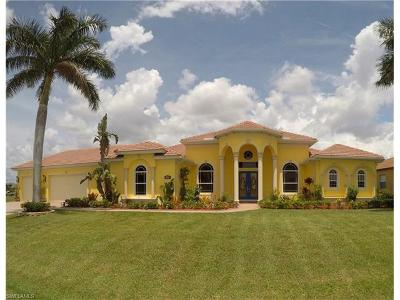 Cape Coral Single Family Home For Sale: 443 NW 39th Ave