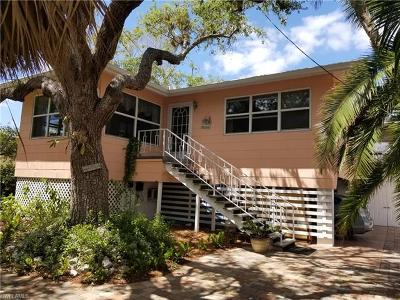 Fort Myers Beach Single Family Home For Sale: 125 Andre Mar Dr