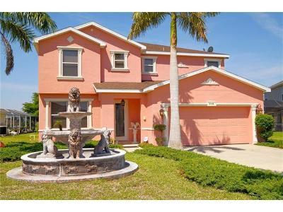 Lehigh Acres Single Family Home For Sale: 8120 Liriope Loop