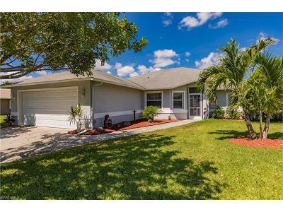 Cape Coral Single Family Home For Sale: 140 SE 1st Pl