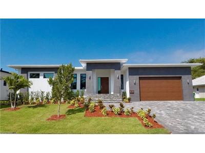 Marco Island Single Family Home For Sale: 616 Seagrape Dr