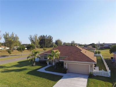 Cape Coral Single Family Home For Sale: 1602 SW 19th St