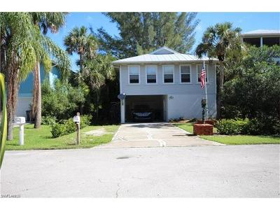 Fort Myers Beach Single Family Home For Sale: 5363 Palmetto St