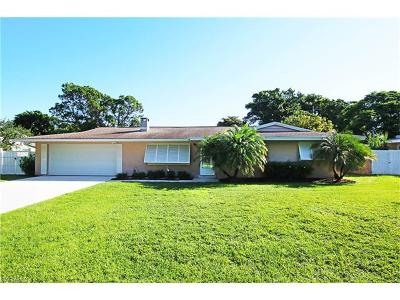 Fort Myers Single Family Home For Sale: 577 Val Mar Dr