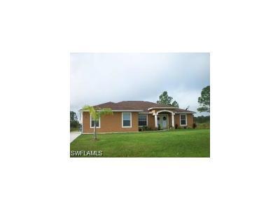 Lehigh Acres Single Family Home For Sale: 1911 Woodrow Ave