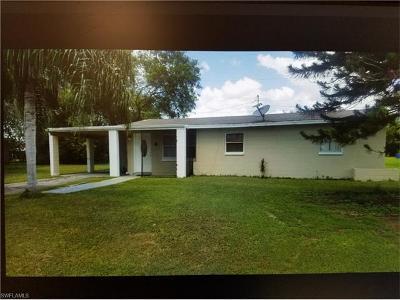 Lehigh Acres Single Family Home For Sale: 209 Stewart Ln