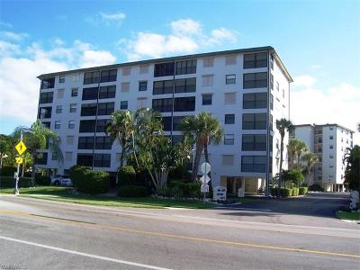 Fort Myers Beach Condo/Townhouse For Sale: 6897 Estero Blvd #114
