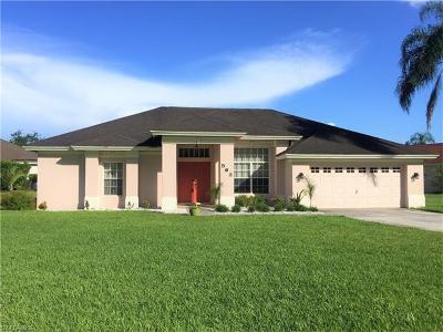 Lehigh Acres Single Family Home For Sale: 563 Chamonix Ave S