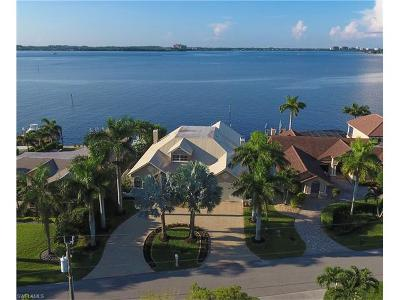 Cape Coral Single Family Home For Sale: 1638 Edith Esplanade