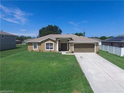 Cape Coral Single Family Home For Sale: 1120 SW 11th Ct