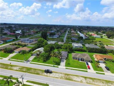 Cape Coral Single Family Home For Sale: 2614 Gleason Pky