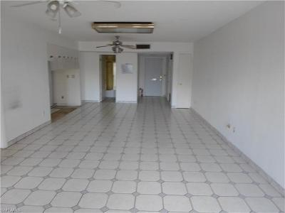 Fort Myers Condo/Townhouse For Sale: 3150 Shorewood Ln #301