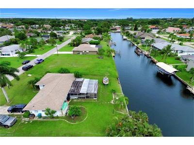 Cape Coral Single Family Home For Sale: 114 SE 41st St