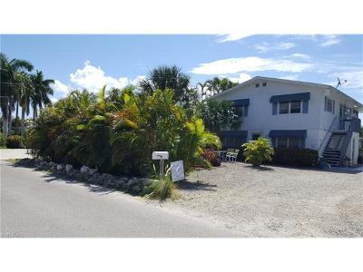 Multi Family Home For Sale: 120/122 Bahia Via