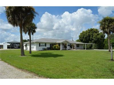 North Fort Myers Single Family Home For Sale: 3591 Trail Dairy Cir