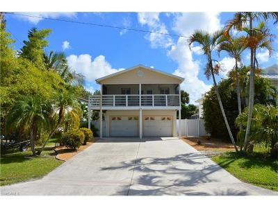 Fort Myers Beach Single Family Home For Sale: 5531 Palmetto St