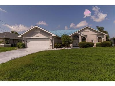Cape Coral Single Family Home For Sale: 1906 SE 10th Pl