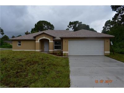Lehigh Acres Single Family Home For Sale: 964 Iris St E