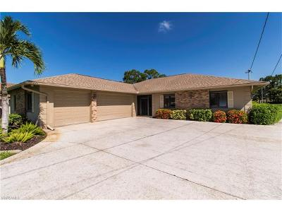 Cape Coral Single Family Home For Sale: 1203 SW 19th Ln