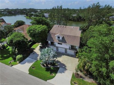 Sanibel Single Family Home For Sale: 8995 Mockingbird Dr