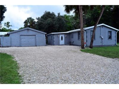 North Fort Myers Single Family Home For Sale: 340 Capitol St