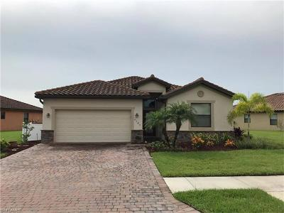 Fort Myers Single Family Home For Sale: 2745 Via Piazza Loop