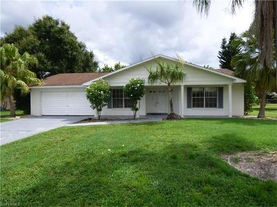 Lehigh Acres Single Family Home For Sale: 138 Brookside St