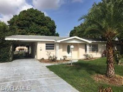 Cape Coral Single Family Home For Sale: 5613 Delido Ct