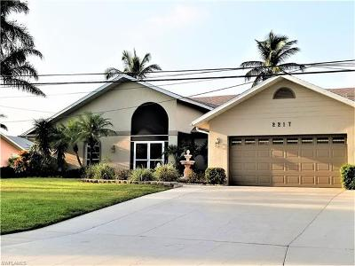 Cape Coral Single Family Home For Sale: 2217 SW 43rd Ln
