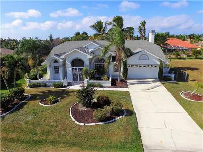 Cape Coral Single Family Home For Sale: 4834 SW 25th Pl