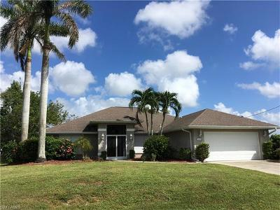 Cape Coral Single Family Home For Sale: 1003 SW 18th Ter