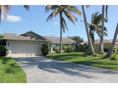Cape Coral Single Family Home For Sale: 1835 SW 46th Ter
