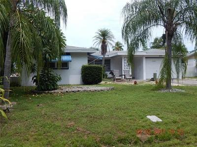 Cape Coral Single Family Home For Sale: 1101 Lenox Ct